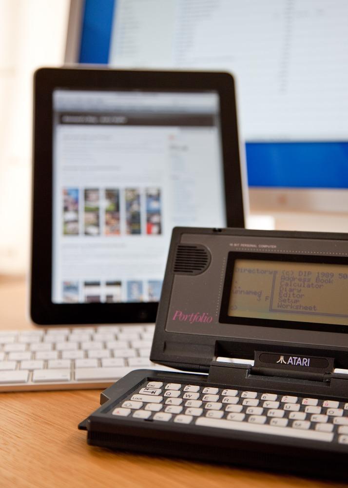 Atari Portfolio Versus Apple iPad, Sort Of... (1/4)