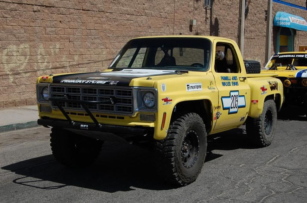 parnelli-jones-walker-evans-chevy-c10-race-truck-norra-1000.jpg